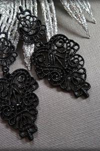 Ażurowe kolczyki czarne...