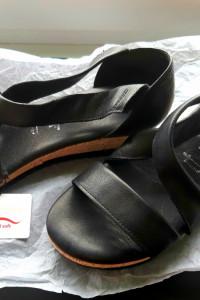 Sandały Tamaris...