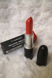 MAC Frost Lipstick Rogue a Levres nr 305 NOWA...