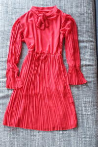 Czerwona sukienka kokarda M...