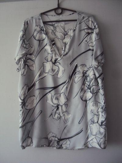 Bluzki popielata bluzka w kwiaty