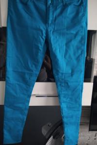 Niebieskie spodnie 42...