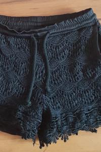 Szorty spodenki krótkie czarne S M 36 38 koronkowe koronka gumka