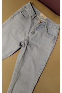Mom jeans boyfriend...