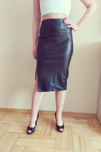 Nowa czarna skórzana spódnica bershka 34 Xs...