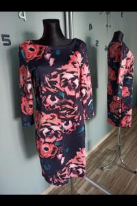 Sukienka w kwiaty Mohito XL