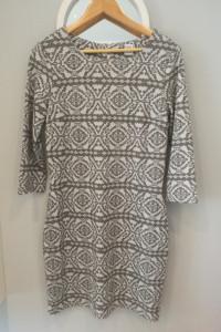 Sukienka w geometryczny wzór Saint Tropez rozm M