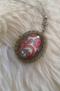 Naszyjnik z kolorową zawieszką biżuteria sztuczna...