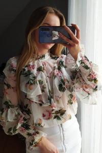 Nowa bluzka w kwiatki z falbankami...