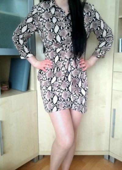 Suknie i sukienki Sukienka wężowa wzór róż czarna koszulowa zapinana mini bershka S 36 M 38