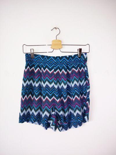 Spodenki Kolorowe szorty H&M krótkie spodenki wzór aztec