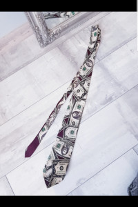 Krawat w dolary...