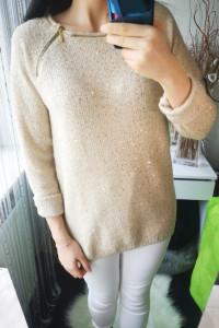 Reserved Sweter damski zdobiony cekinami beżowy L...