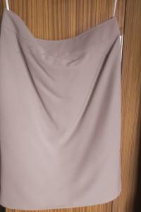 Spódnica ołówkowa w kolorze beżowym