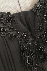 Czarna sukienka z głębokim ozdobnym dekoltem JAK NOWA...