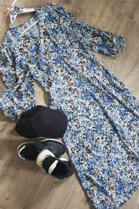 Wiosna w niebieskiej sukience...
