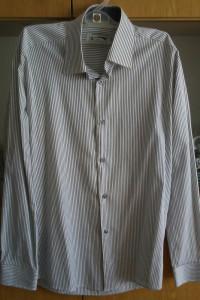 Sprzedam koszule młodzieżowe rozmiar S slim...