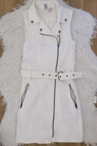 Biała dżinsowa...