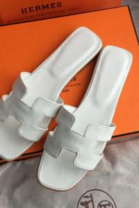 Hermes Oran Klapki Sandały Białe 36...