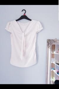 Biała satynowa koszula