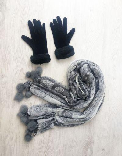 Szaliki i szale Szalik z pomponami plus rękawiczki