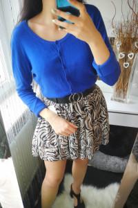 Grey Wolf Sweter damski zapinany na guziczki niebieski XL...