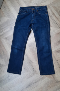 Nowe jeansy Wrangler 38 40