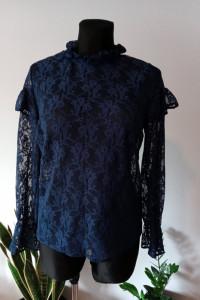 Koronkowa bluzka falbanki