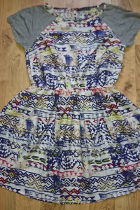 Piekna sukieneczka aztec atmosphere...