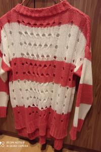 Młodzieżowy sweterek...