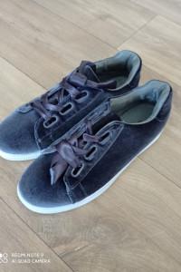 Welurowe buty...