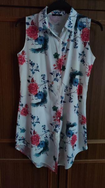 Suknie i sukienki biała letnia sukienka w kwiaty