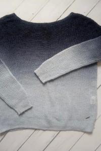 Sweter damski niebieski Mohito ombre XS...