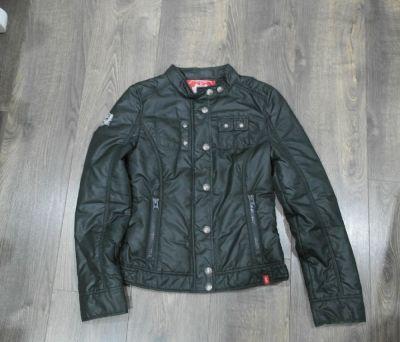 Odzież wierzchnia Czarna kurtka lekko ocieplona 34