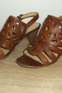 Brązowe sandały Caprice 37...