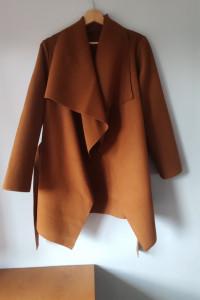 Wiosenny płaszcz na chłodniejsze dni...