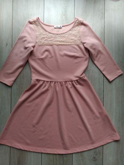 Suknie i sukienki Różowa pastelowa rozkloszowana sukienka z koronką Sinsay M