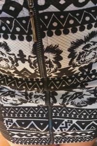 Piekna spodniczka aztec kwiaty h&m...