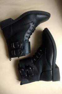 Super czarne botki MOHITO...