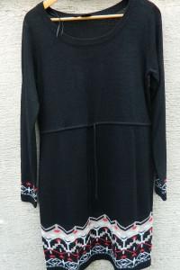 Czarna dzianinowa sukienka z dekoracyjnym wzorem 40 lub 42...