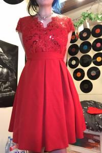 czerwona suknia balowa...
