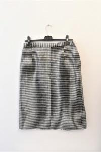 Czarno biała spódnica pepitka must have...