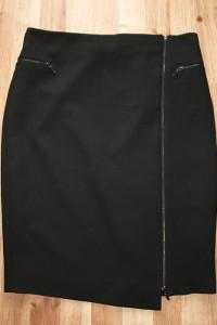 Czarna spódnica L...