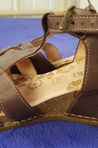 Lasocki sandałki ze skóry 37