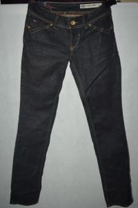 f Woskowane jeansy Tommy Hilfiger W26 L34...