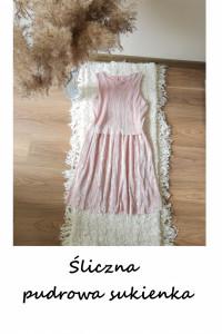 Śliczna pudrowa sukienka XS S prążkowany materiał srebrna lato ...