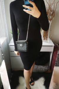 New Yorker Sukienka damska z półgolfem czarna L