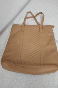 beżowa duża torba z tworzywa...