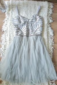 Zjawiskowa koktajlowa szaro srebrna sukienka wesele impreza tiul
