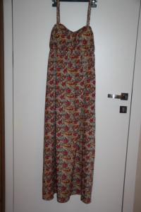 Wzorzysta sukienka rozmiar M...